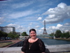 Me_with_the_eiffel_tower_in_the_bac